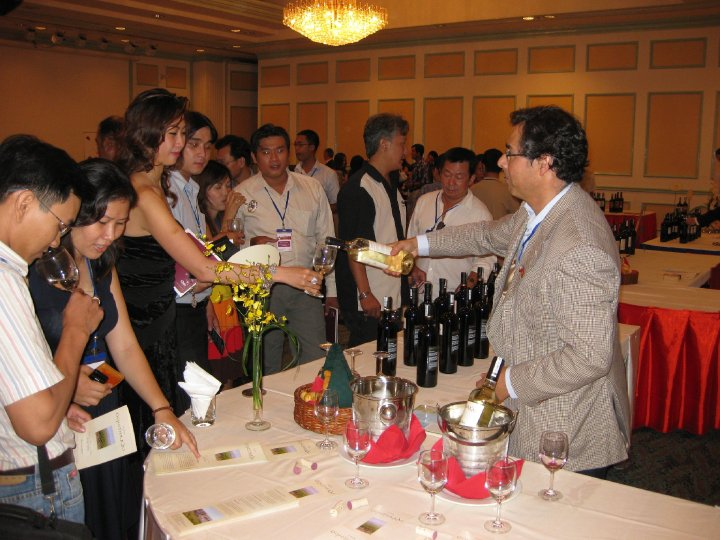 Chilean Wine Tour in Vietnam